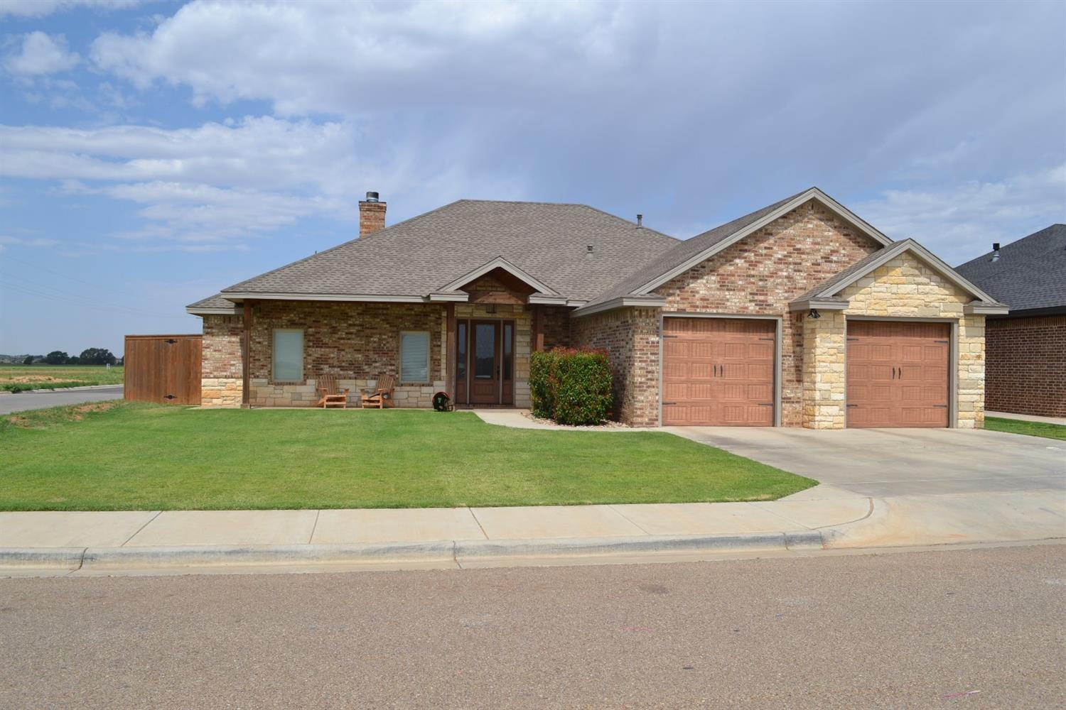 501 Ave T Shallowater, TX 79363