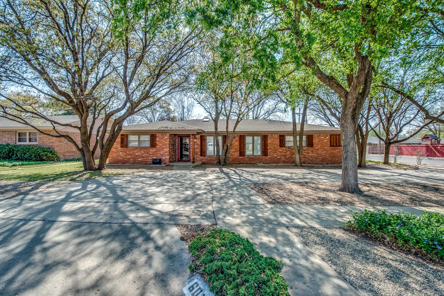 6019 Oxford Avenue, Lubbock in Lubbock County, TX 79413 Home for Sale