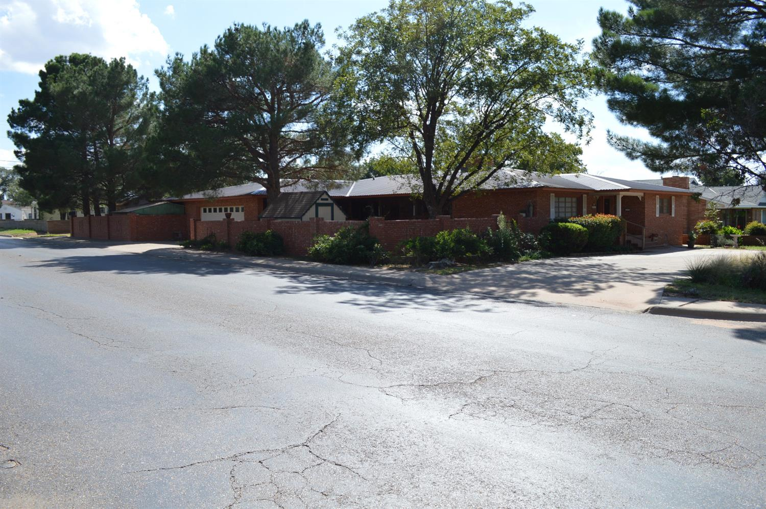 Photo of 520 East Cardwell Street  Brownfield  TX