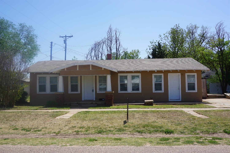 Photo of 415 East Lubbock Street  Slaton  TX