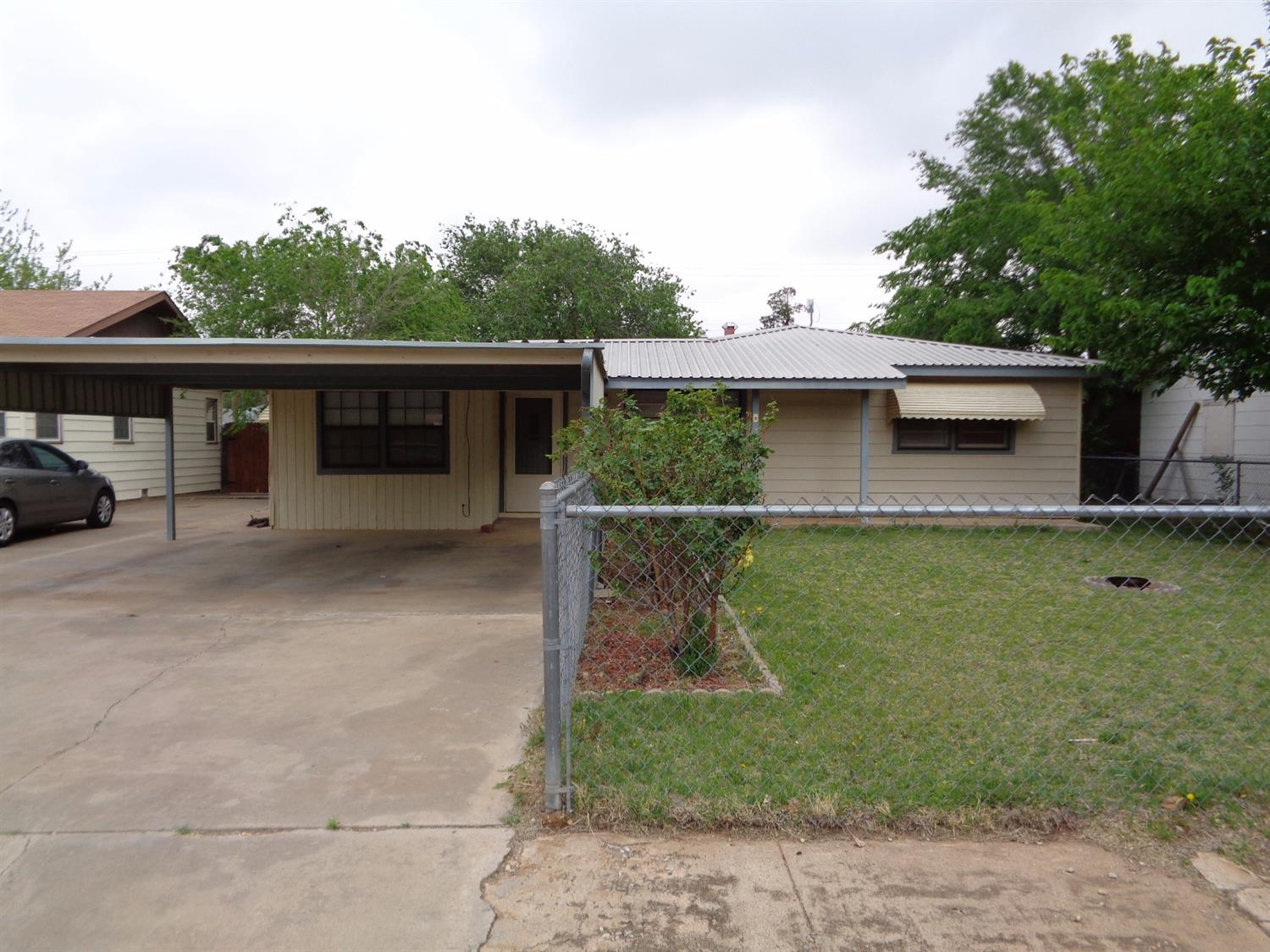 Photo of 2006 65th Street  Lubbock  TX