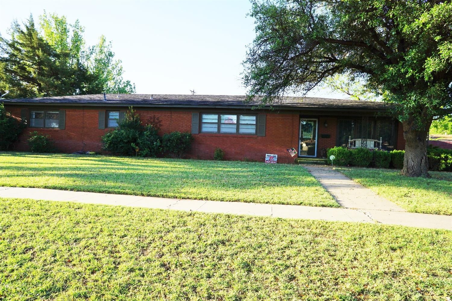 Photo of 1302 East Reppto Street  Brownfield  TX