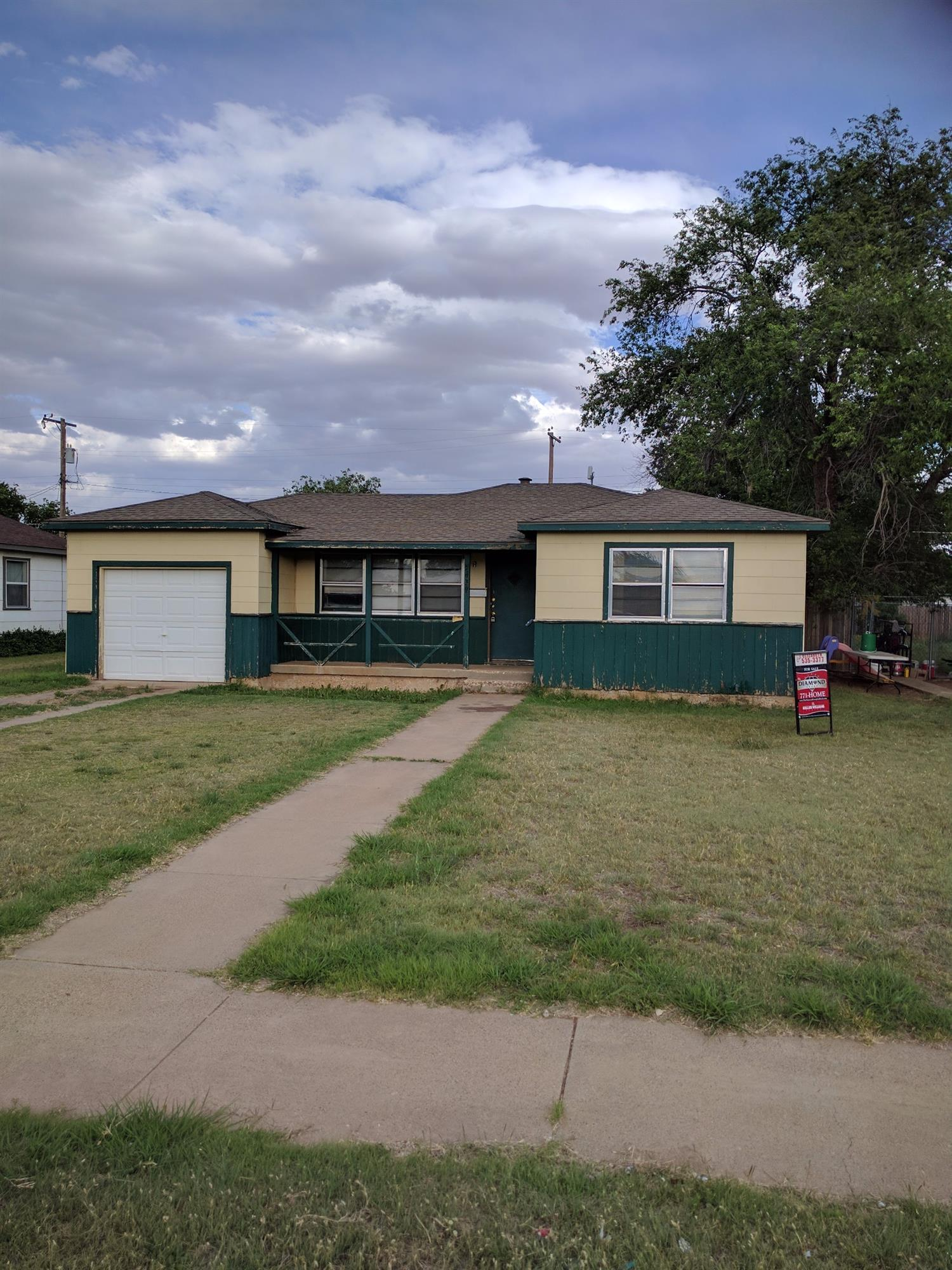Photo of 5639 Ave B  Lubbock  TX