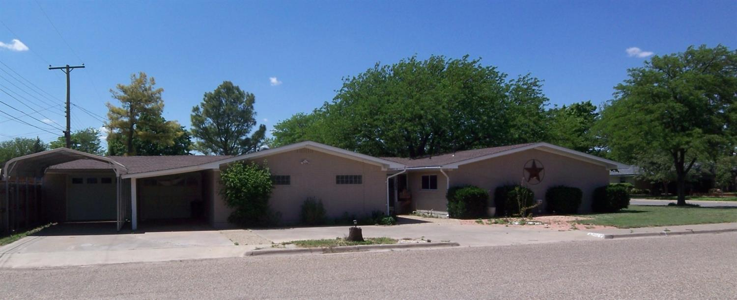 Photo of 502 Birch Avenue  Levelland  TX
