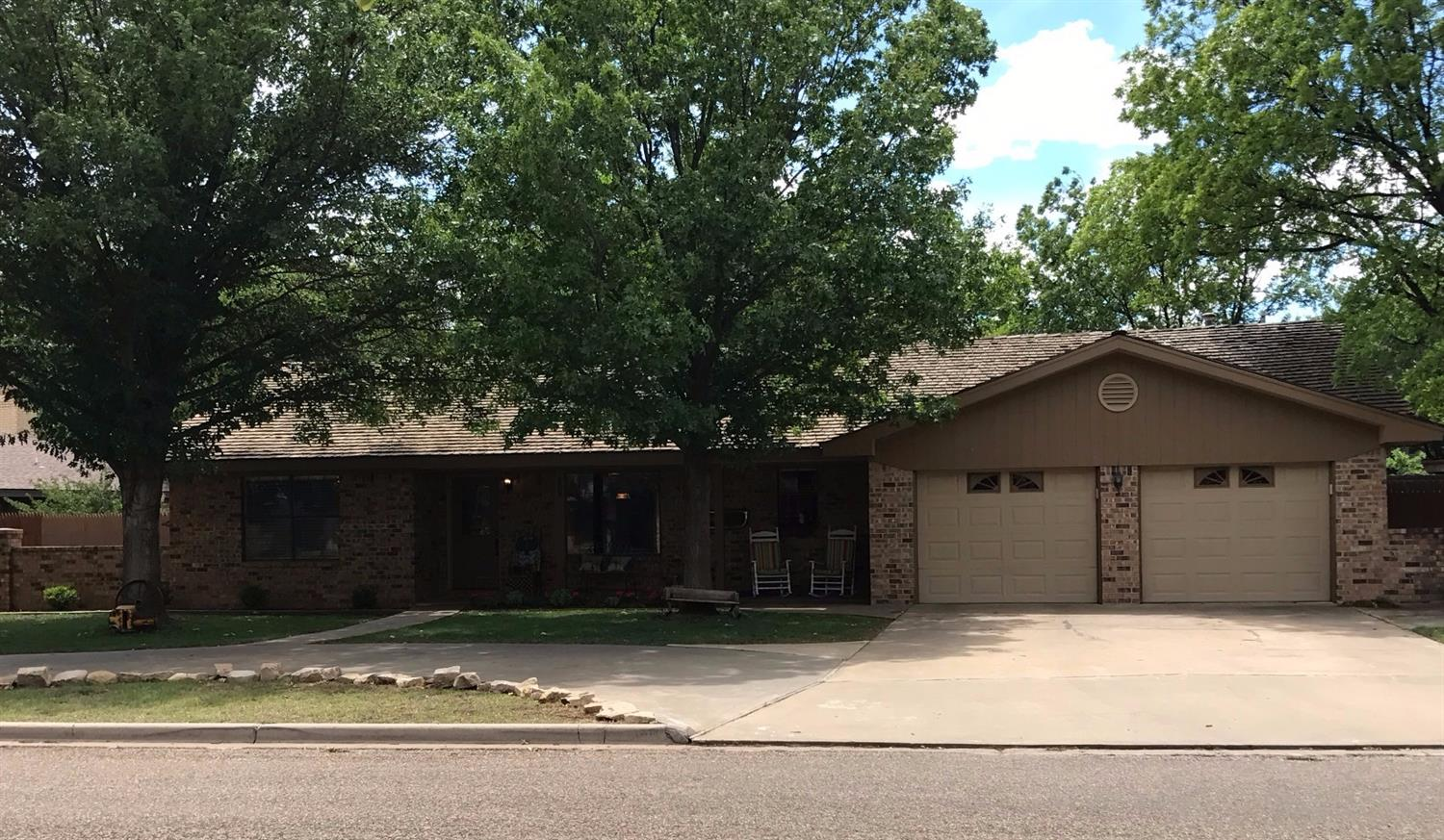 Photo of 407 Mesa Circle  Plainview  TX