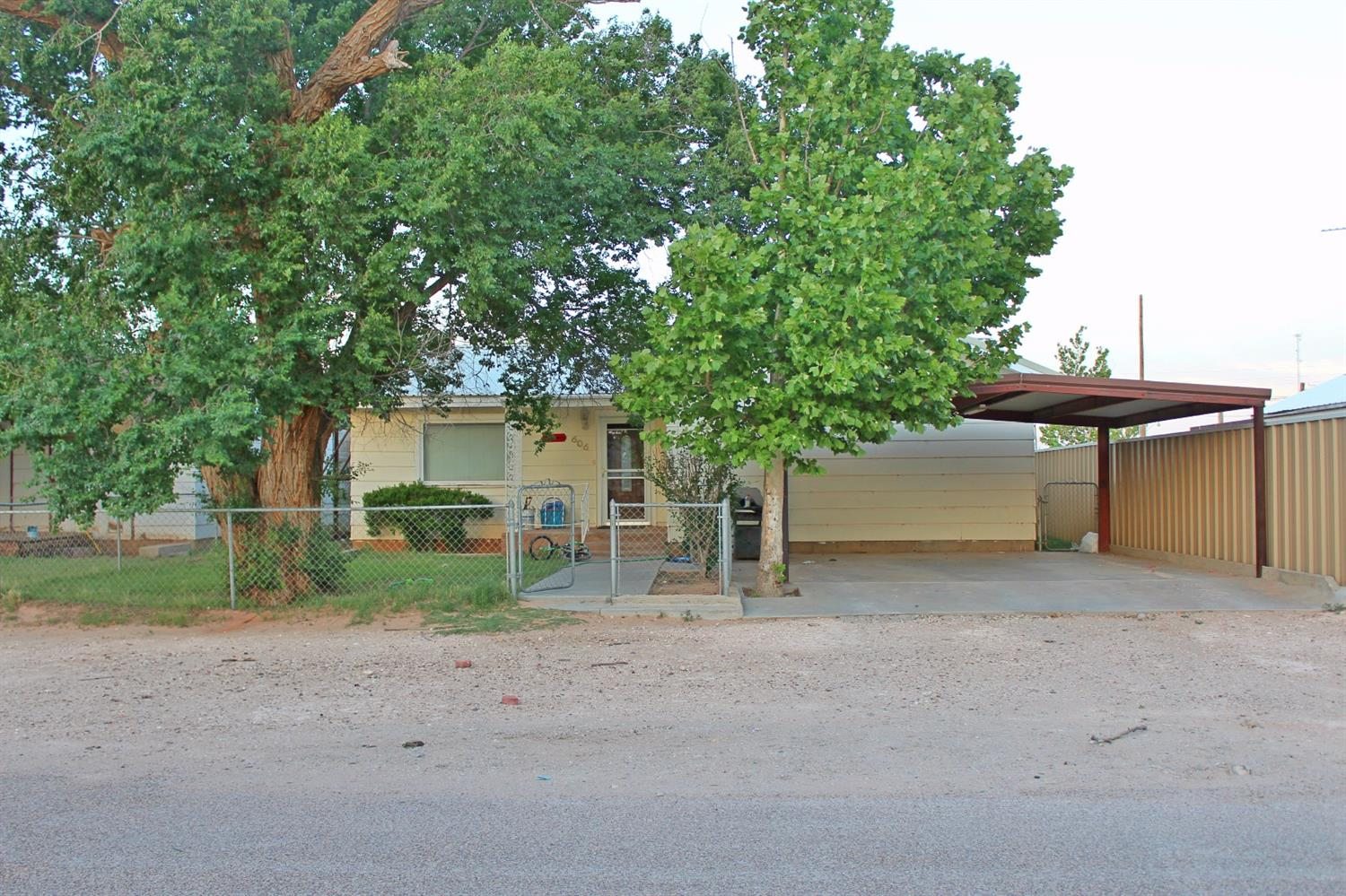 Photo of 606 Ave I  Seagraves  TX