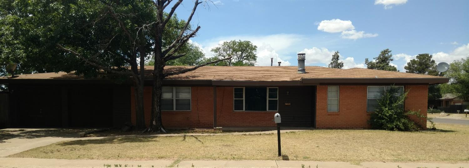 Photo of 802 Ave D  Levelland  TX