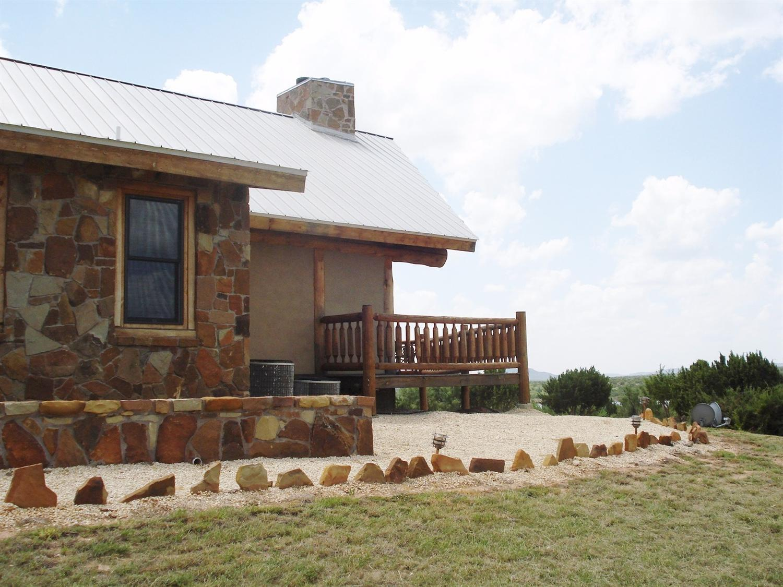 75 North Ridge Drive Justiceburg, TX 79330