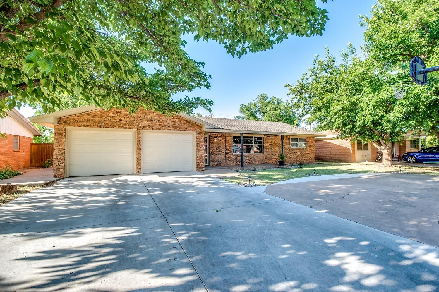 Photo of 1205 7th Street  Shallowater  TX