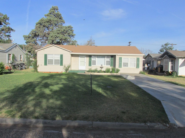 Photo of 603 Locust Street  Idalou  TX