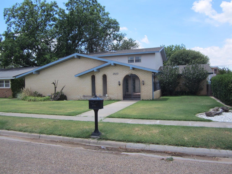 Photo of 1403 North Ave E  Denver City  TX