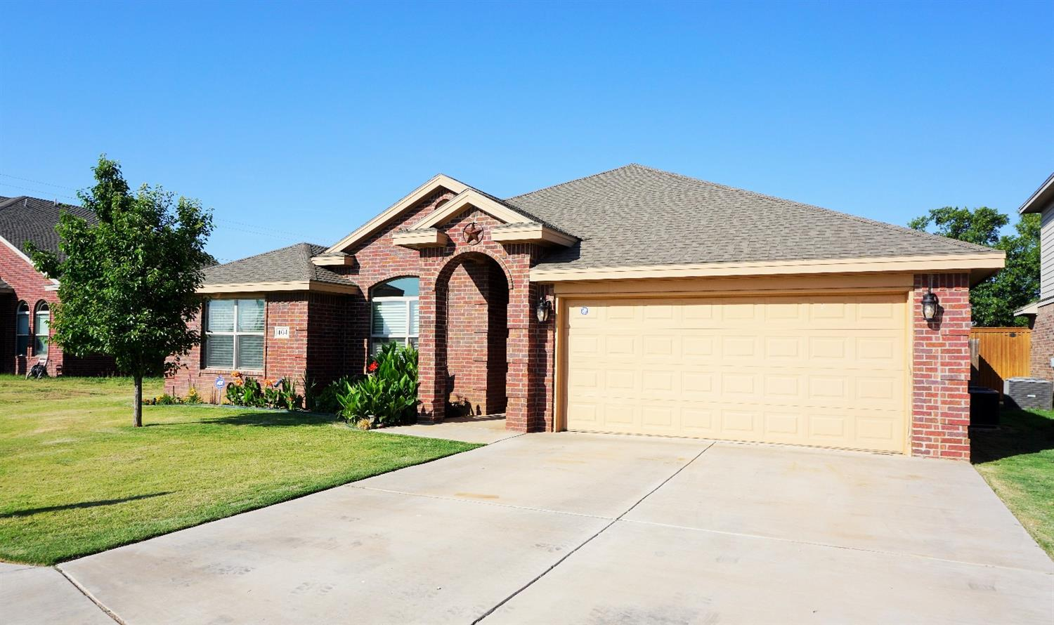 Photo of 404 McMillen Avenue  Wolfforth  TX