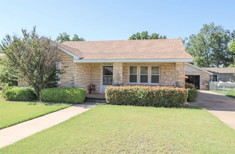 Photo of 110 East 12th Street  Littlefield  TX