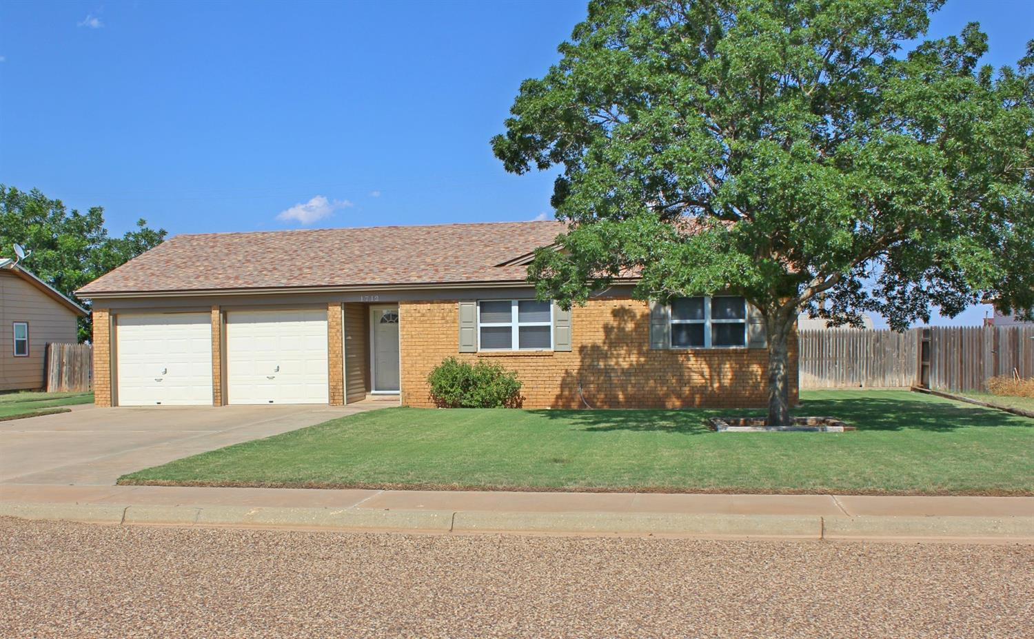 Photo of 1712 Ave E  Seagraves  TX