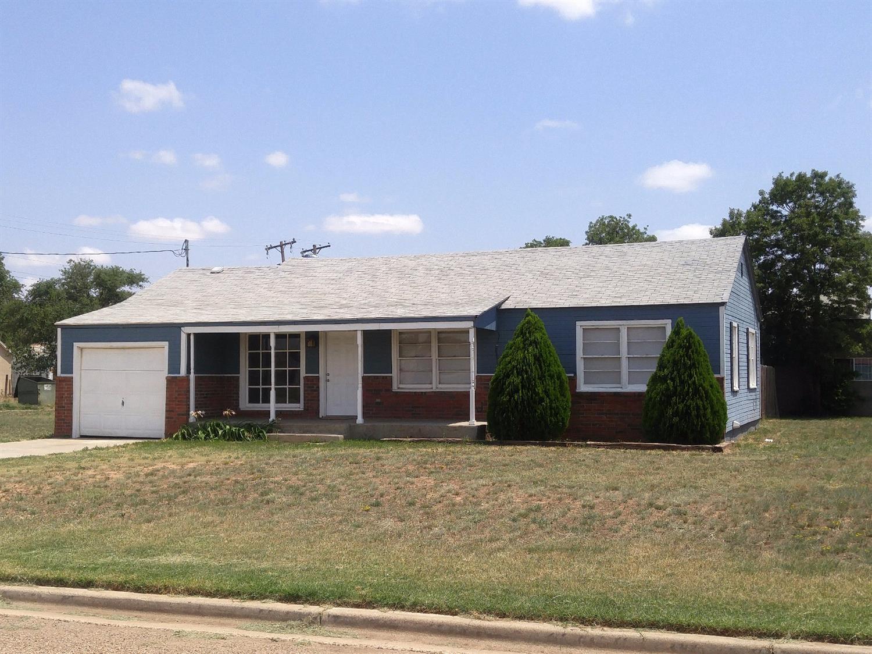 Photo of 1100 South 10th Street  Slaton  TX