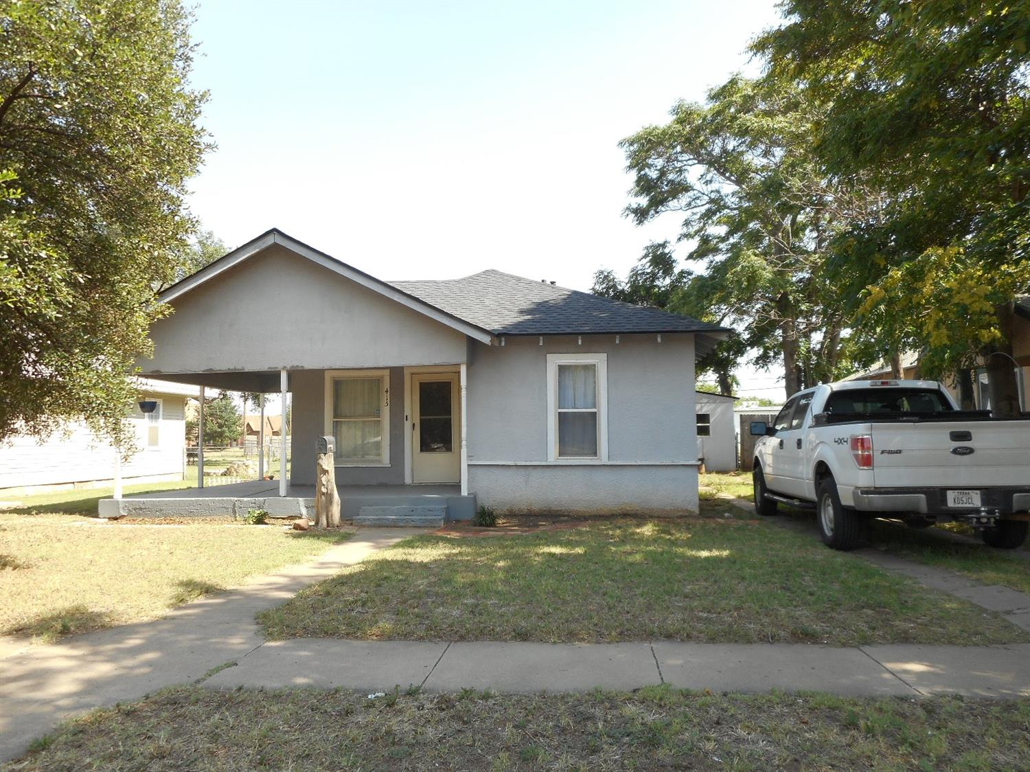 Photo of 415 West Garza Street  Slaton  TX