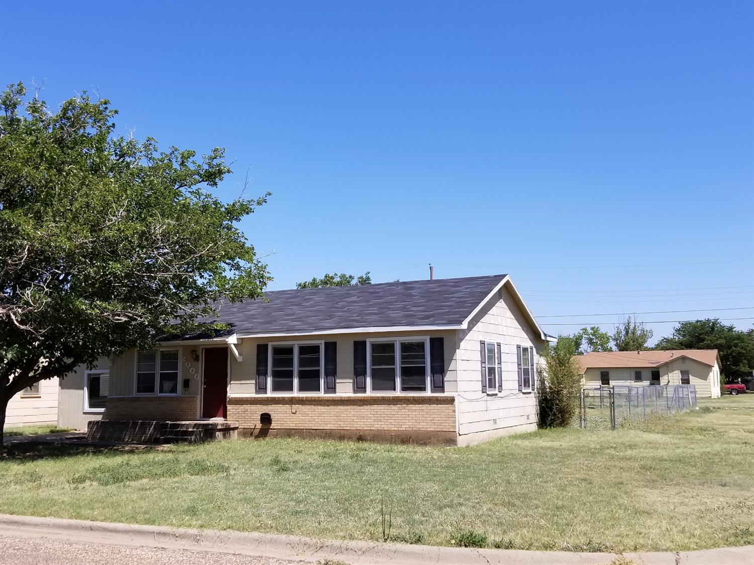 Photo of 2000 West 17th Street  Plainview  TX