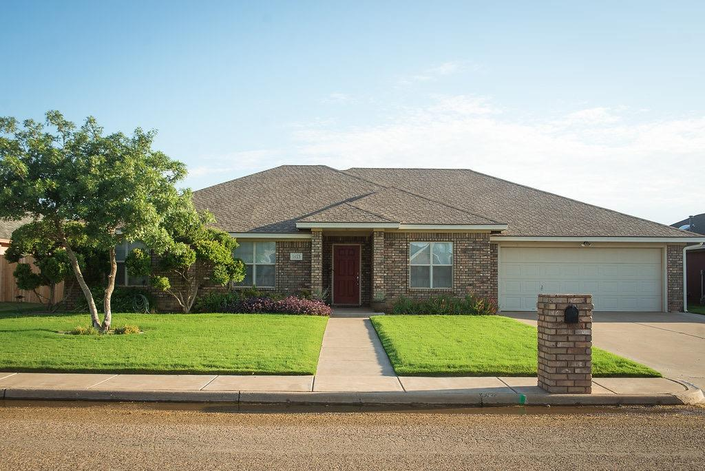 Photo of 1423 10th Street  Shallowater  TX