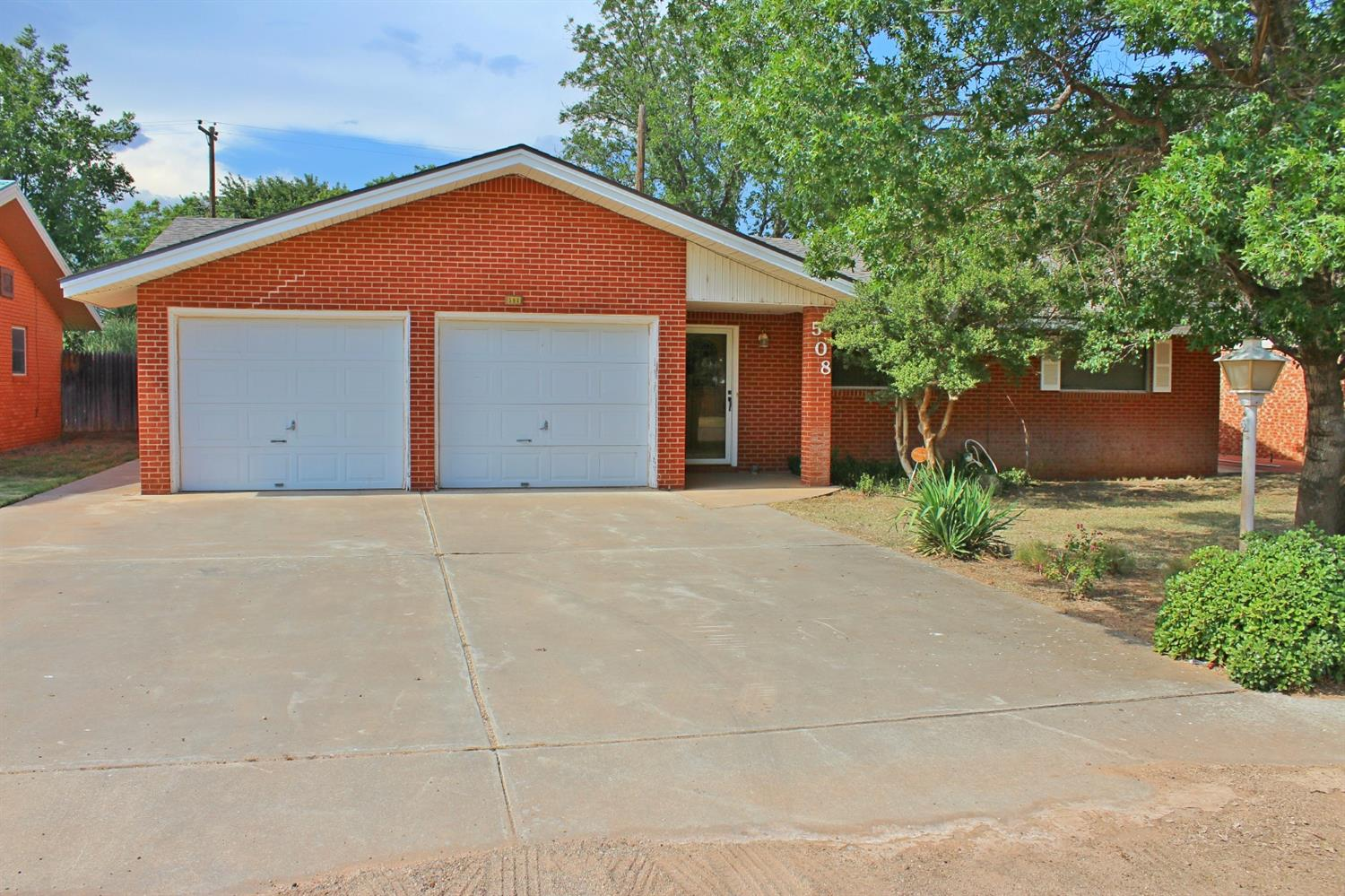 Photo of 508 18th Street  Seagraves  TX