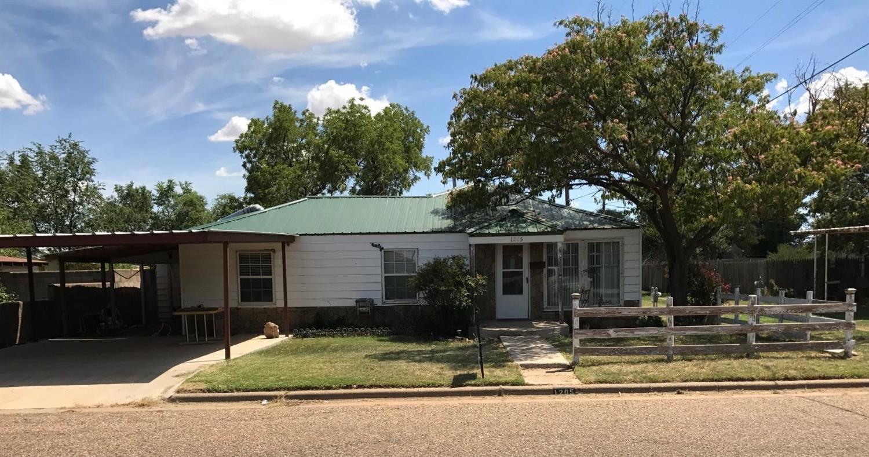 Photo of 1205 14th Street  Abernathy  TX
