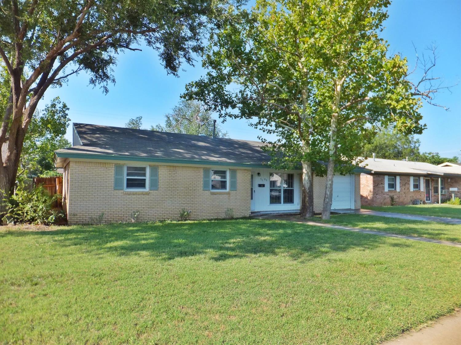Photo of 5109 42nd Street  Lubbock  TX