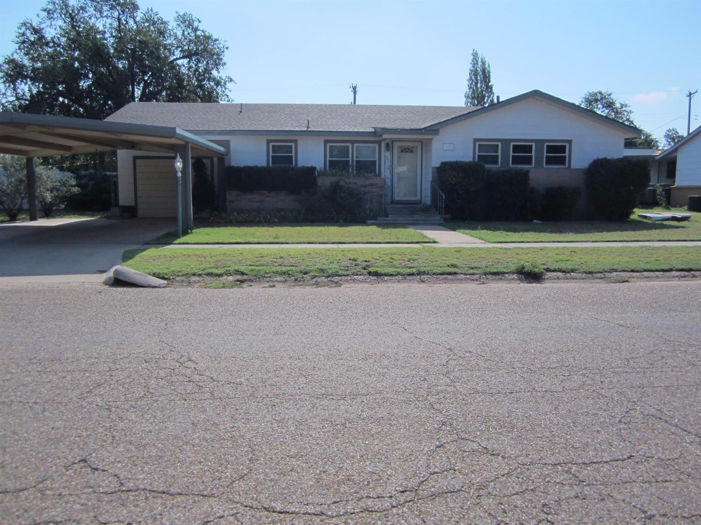 Photo of 1004 North Ave D  Denver City  TX