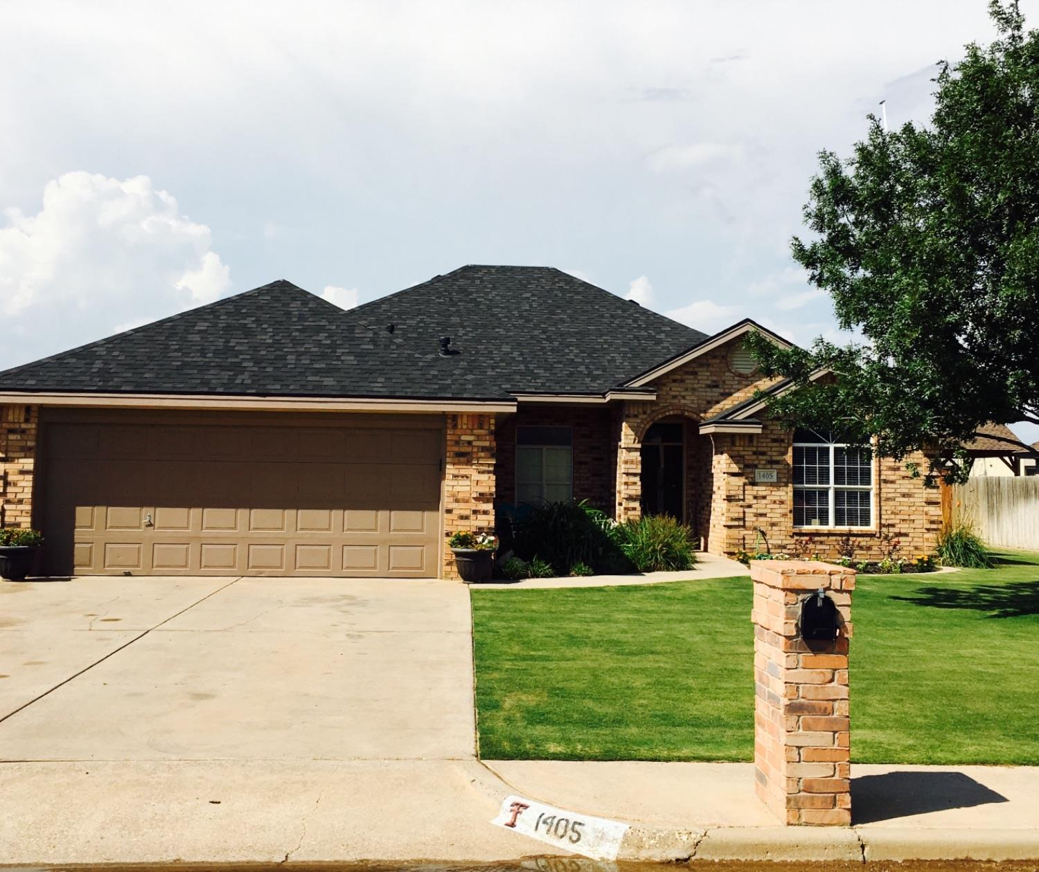 Photo of 1405 10th Street  Shallowater  TX