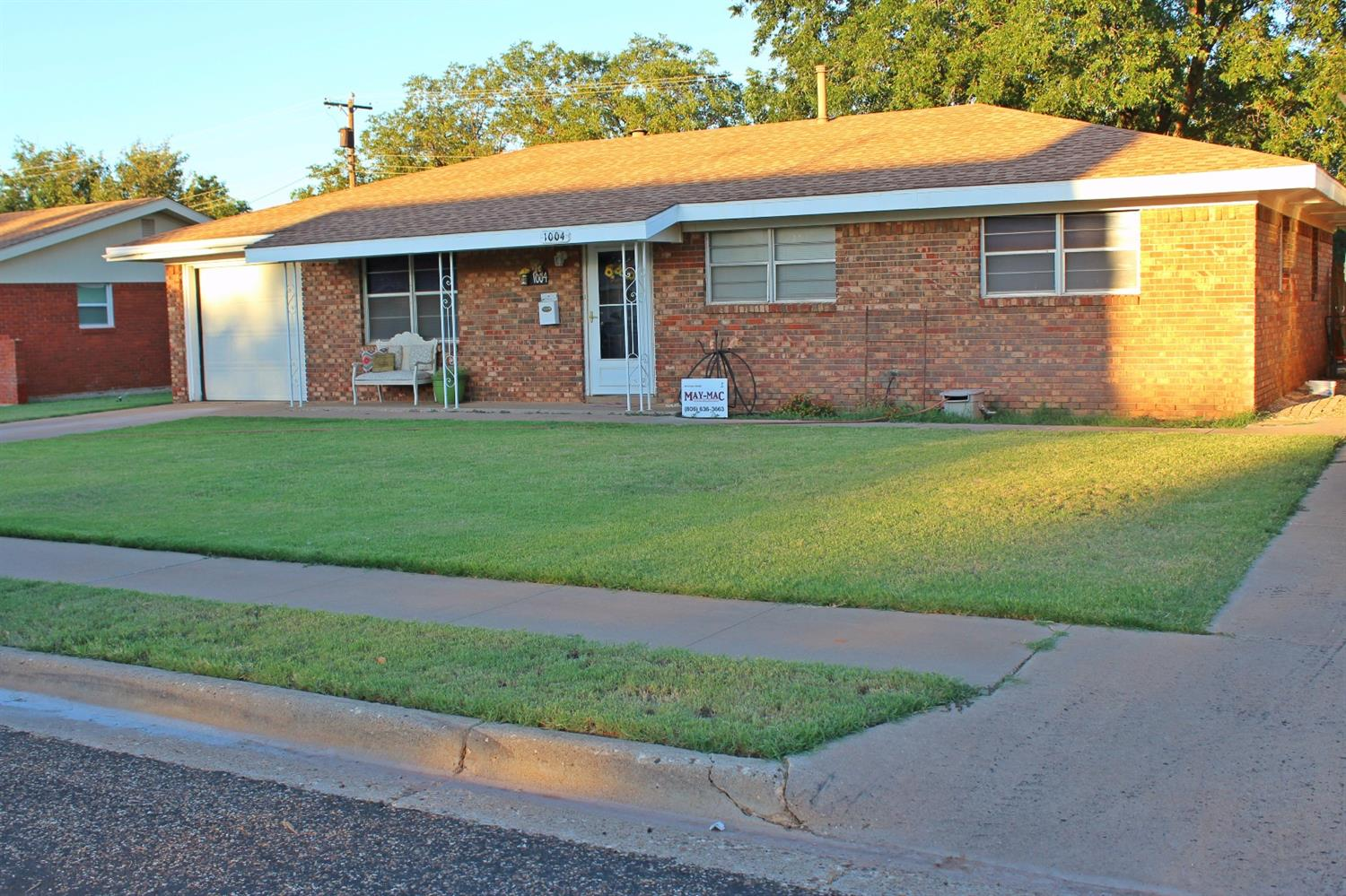 Photo of 1004 South Pecos Street  Brownfield  TX