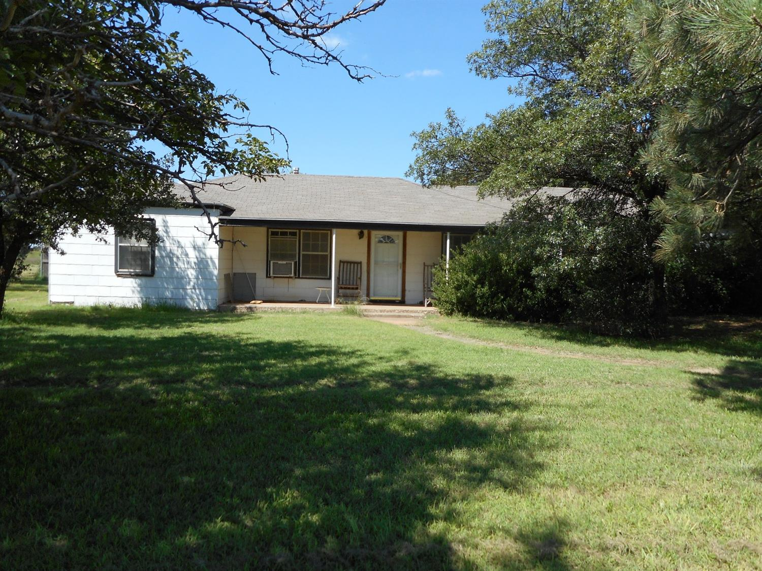 2531 E State Highway 114 Levelland, TX 79336
