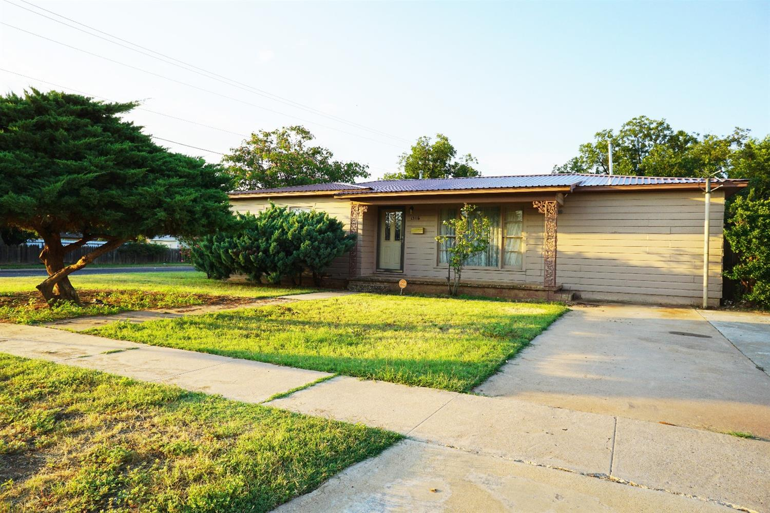 Photo of 1316 East Lons Street  Brownfield  TX