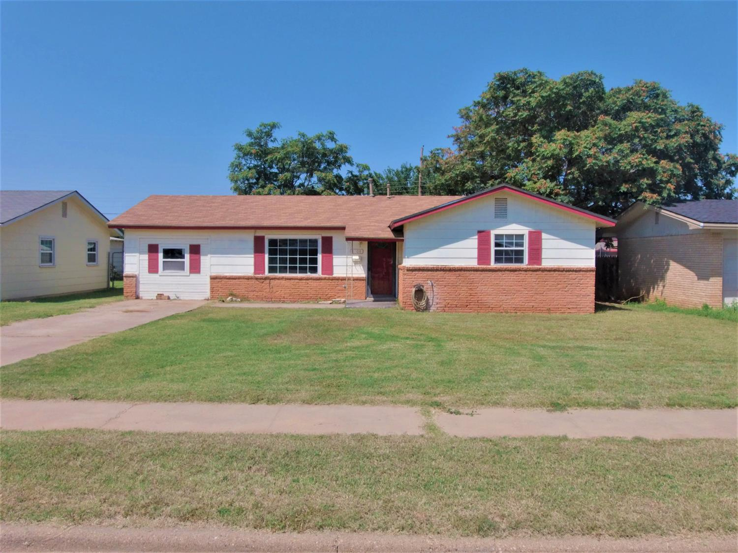 Photo of 1208 46th Place  Lubbock  TX