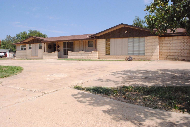 Photo of 1828 North Ave K  Tahoka  TX