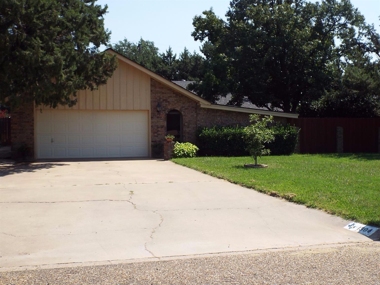 Photo of 1304 Itasca Street  Plainview  TX