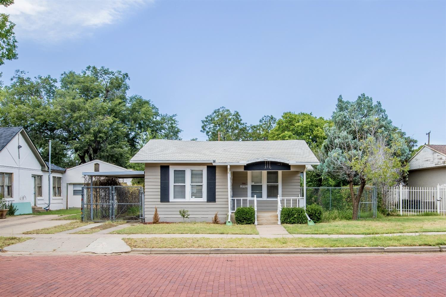 Photo of 2206 16th Street  Lubbock  TX