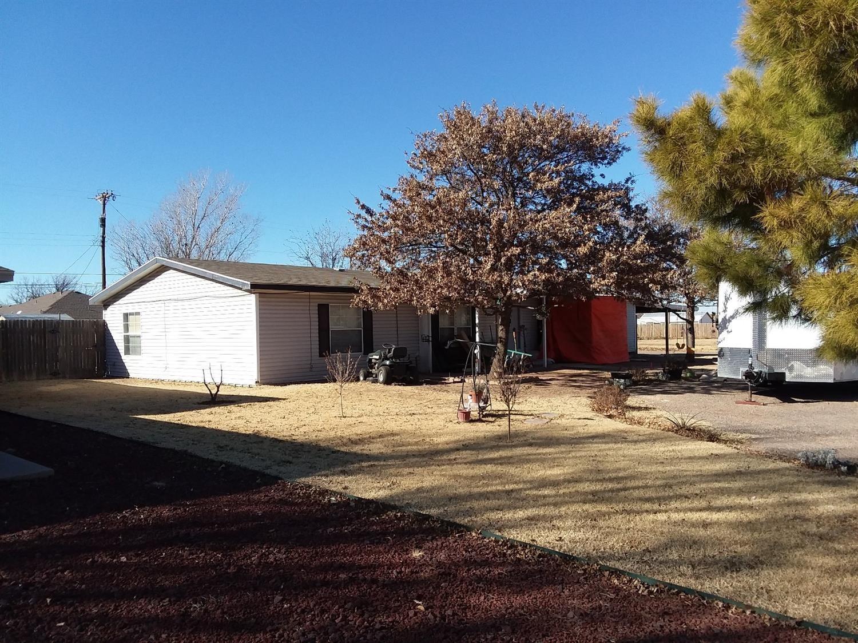 311 Ave L Abernathy, TX 79311