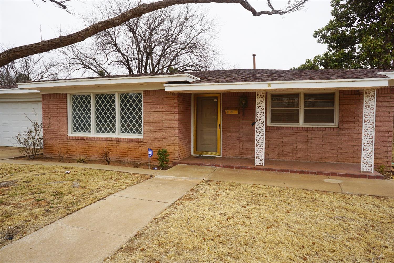 1207 E Cardwell Street Brownfield, TX 79316