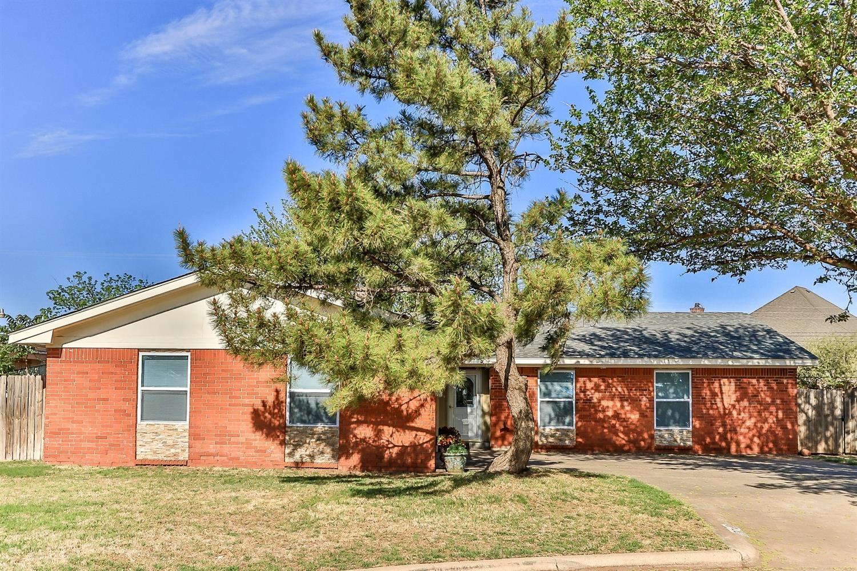 1717 Ave H Abernathy, TX 79311
