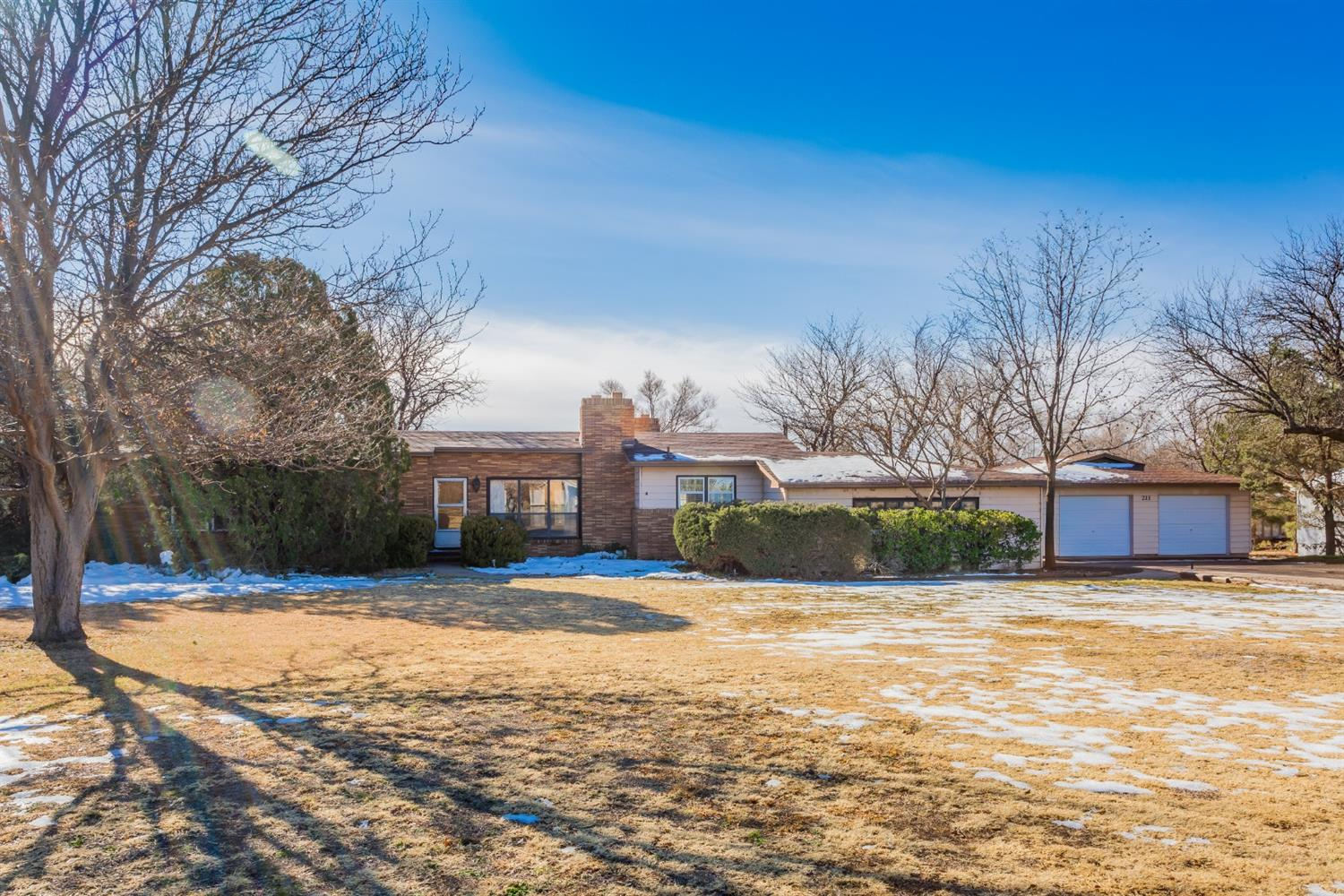 211 Country Club Drive, Lubbock, Texas