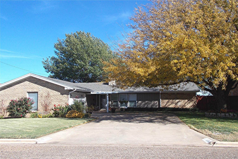 1714 Ave H Abernathy, TX 79311