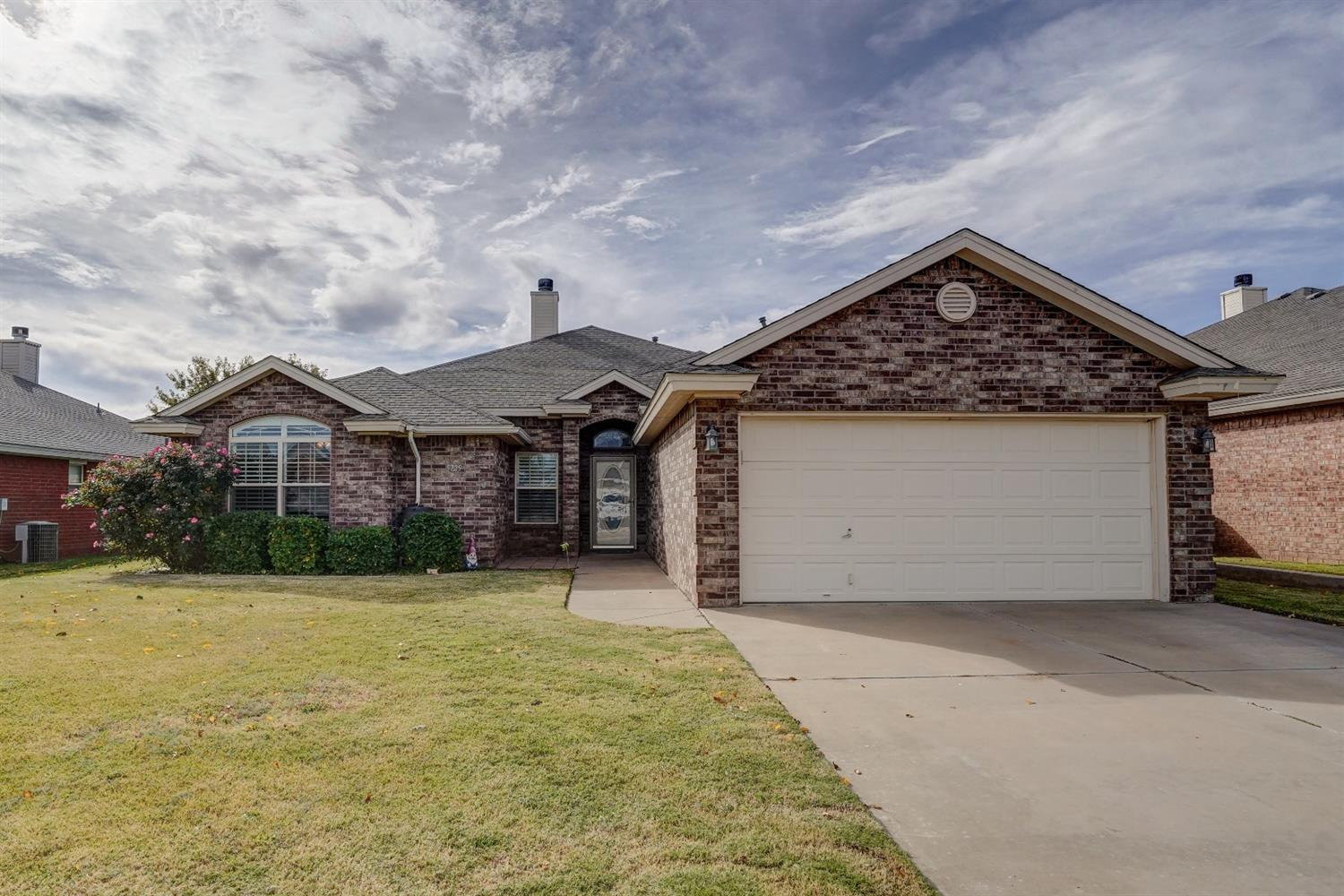 5729 107th Street, Lubbock in Lubbock County, TX 79424 Home for Sale