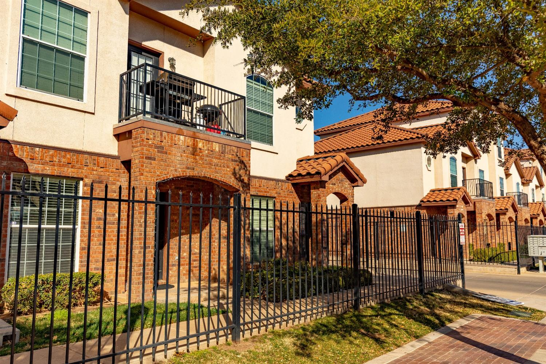 2108 Main Street, Lubbock, Texas