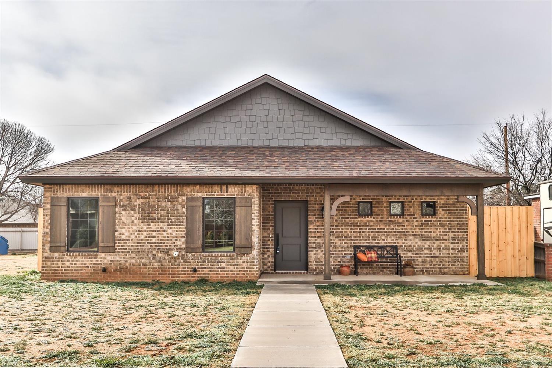 1305 Quaker Street Slaton, TX 79364