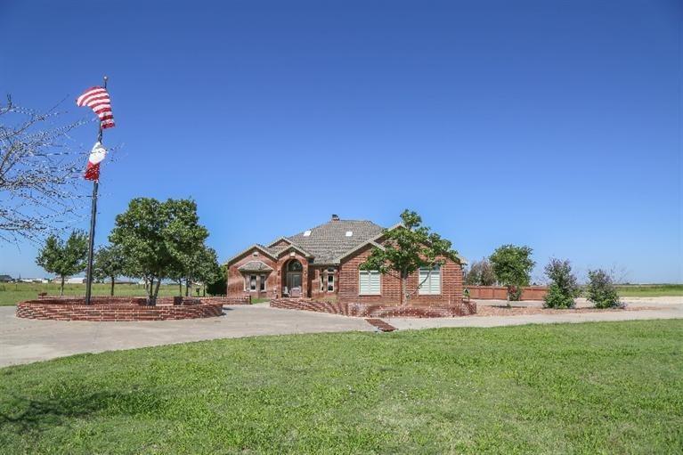 8909 N County Road 3300 Idalou, TX 79329