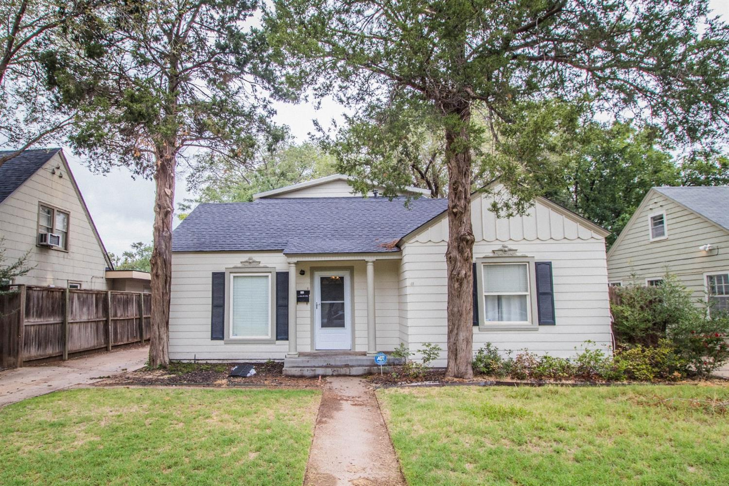 2616 25th Street, Lubbock in Lubbock County, TX 79410 Home for Sale