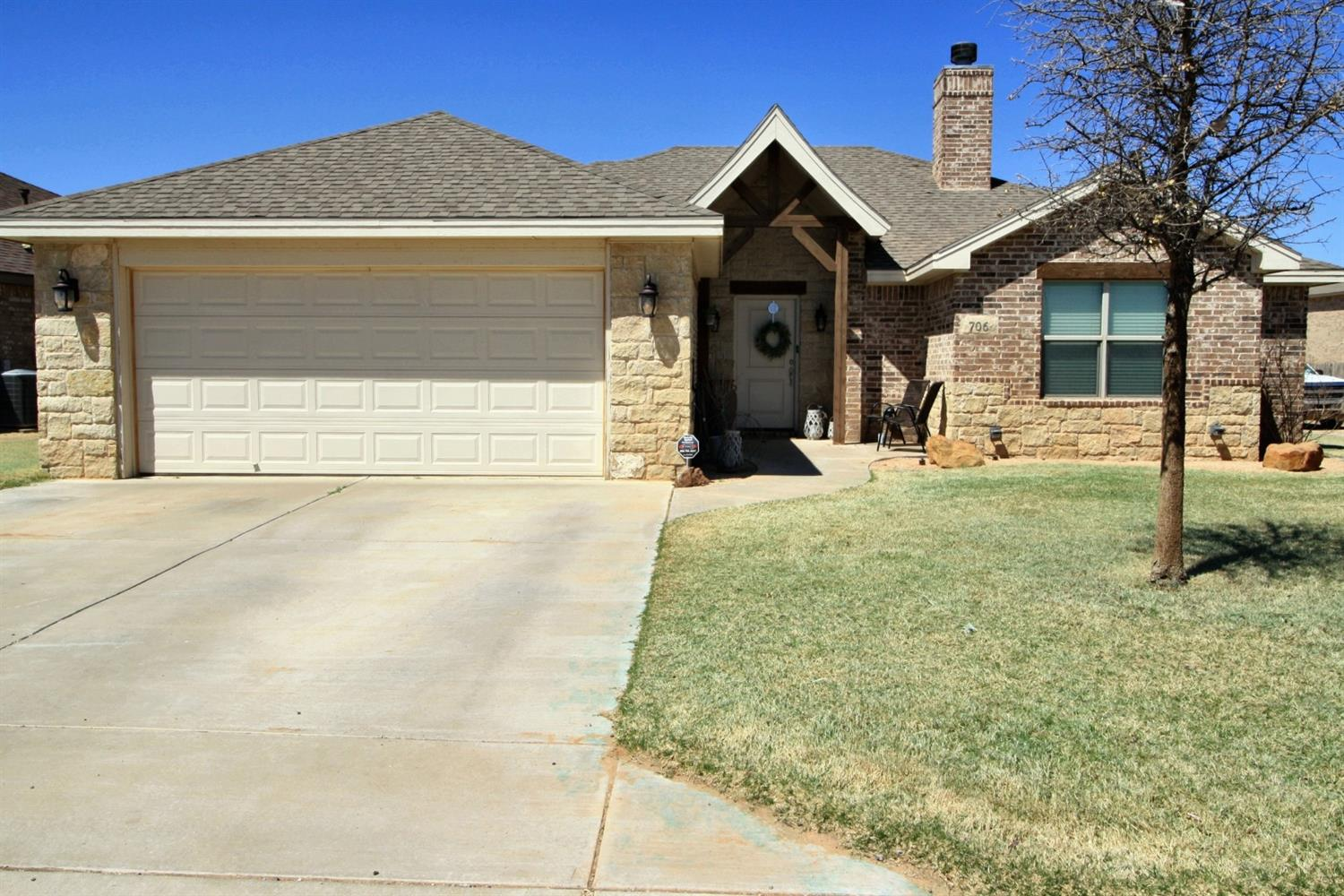 primary photo for 706 N 6th Street, Wolfforth, TX 79382, US