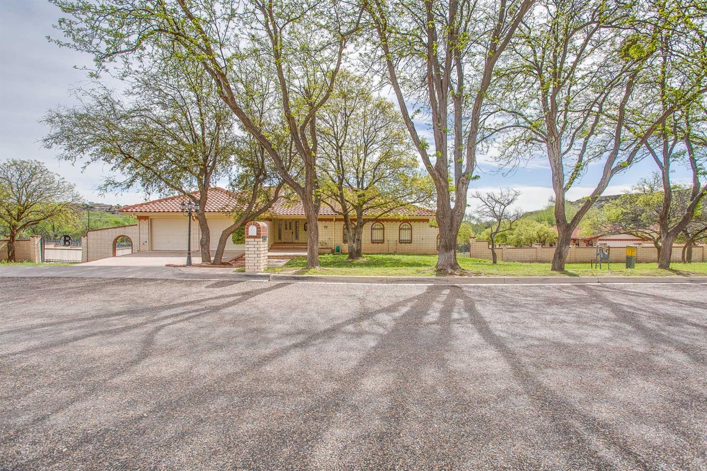 98 S Lake Shore Drive Ransom Canyon, TX 79366