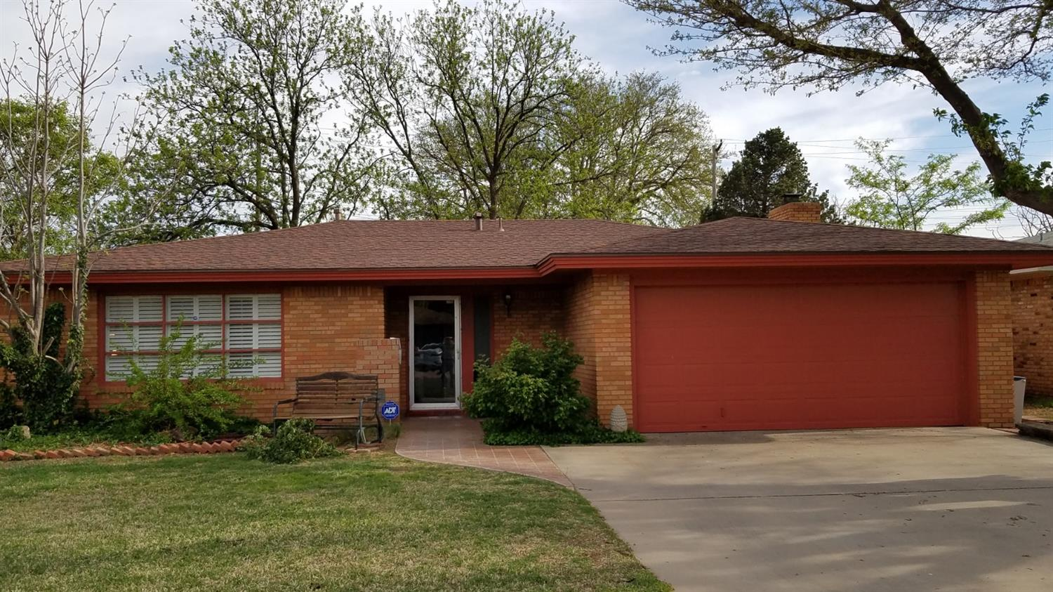 5417 8th Place, Lubbock in Lubbock County, TX 79416 Home for Sale
