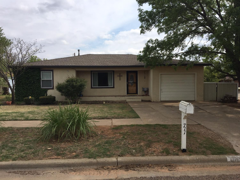 711 11th Street Abernathy, TX 79311