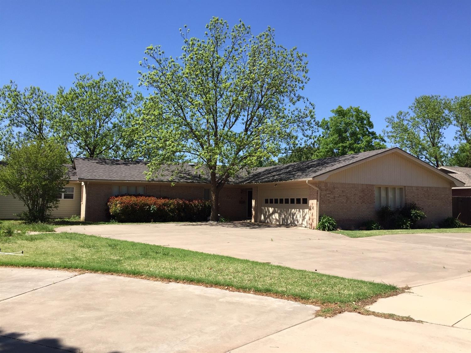 3824 64th Drive, Lubbock, Texas