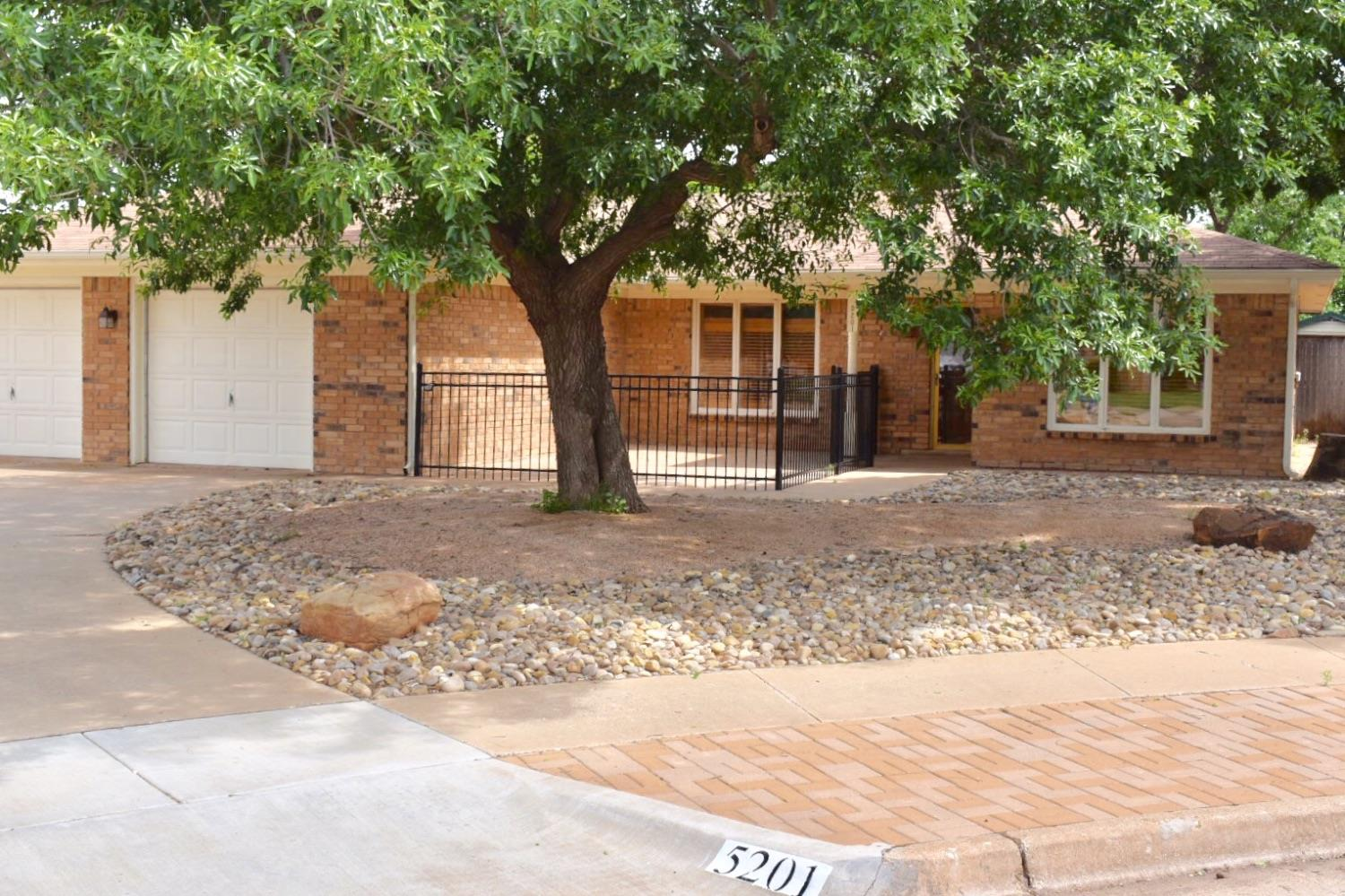 5201 92nd Street, Lubbock in Lubbock County, TX 79424 Home for Sale